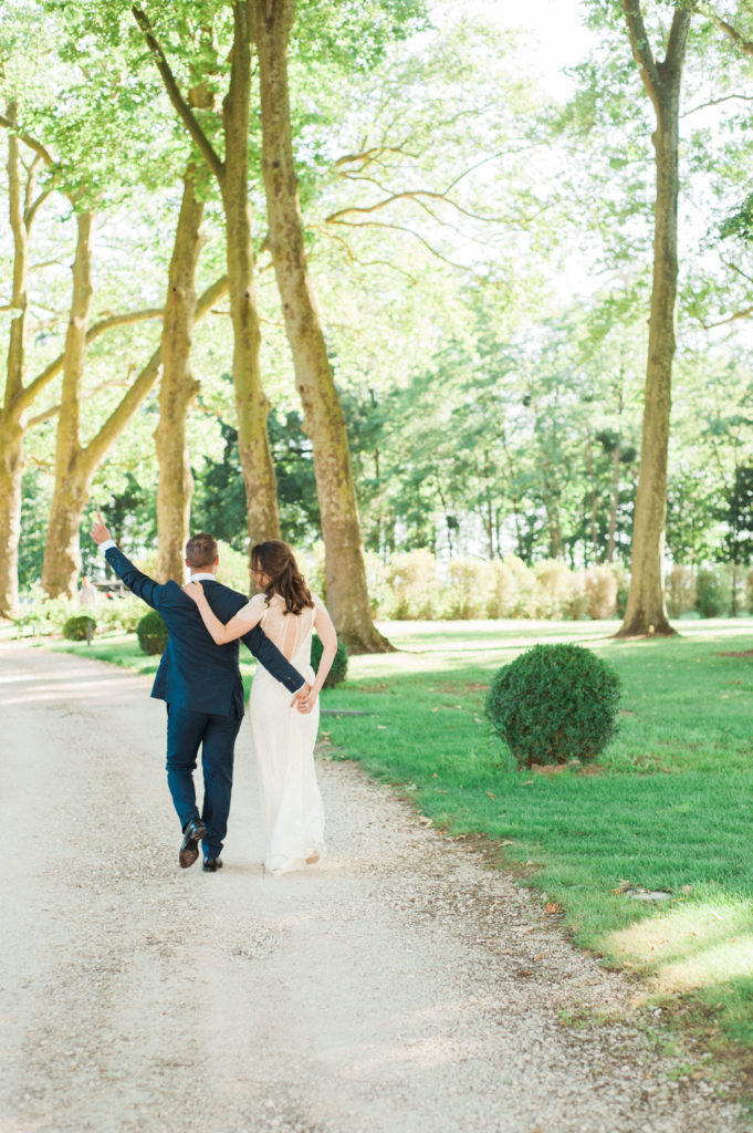 couple chateau mariage France wedding planner Lyon
